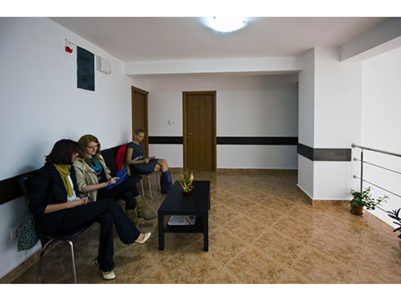 Centrul Medical Promed System Targoviste - 148_sala-asteptare.jpg